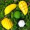 Натуральное мыло в форме фрукта банан.
