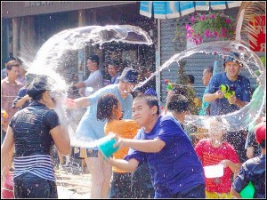songkran-water-1