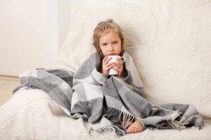 приступообразный кашель у ребенка без температуры