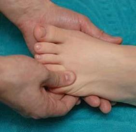 массаж пальчиков ног