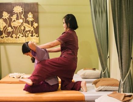 специалист тайского массажа